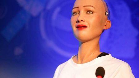 रोबोट 'सोफिया' ले भनिन् 'प्रविधिको प्रयोगले भोकमरी र भ्रष्टाचार हटाउन सकिन्छ' (भिडियोसहित)