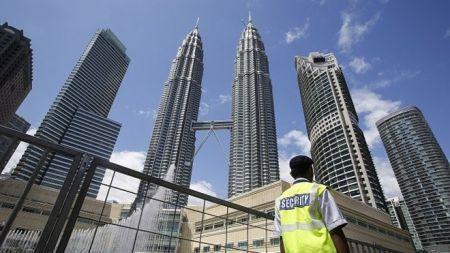 सरकारले श्रम स्वीकृति लिएर मलेसिया जान नपाएका कामदारलार्इ पठाउने