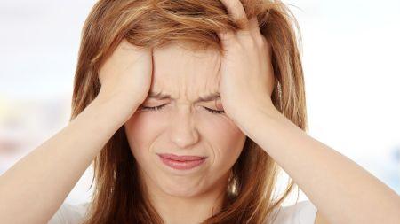 टाउको दुख्ने समस्या छ ? अपनाउनुहोस् यी उपाय