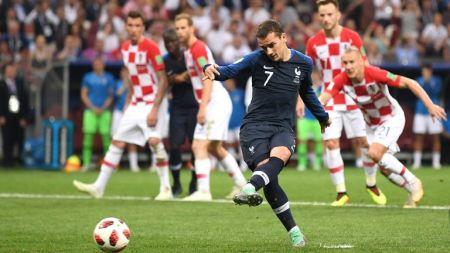 फाइनलमा भिएअार प्रयाेग, फ्रान्स २–१ अघि