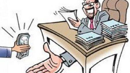 प्रधानमन्त्री ओलीले कार्यक्रममा भ्रष्टाचार नियन्त्रणका लागि क्रियाशील रहेको भन्दै गर्दा आयो यस्तो प्रतिवेदन
