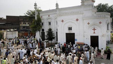 इतिहासमा आजः पाकिस्तानमा बम विष्फोट १२७ को मृत्यु