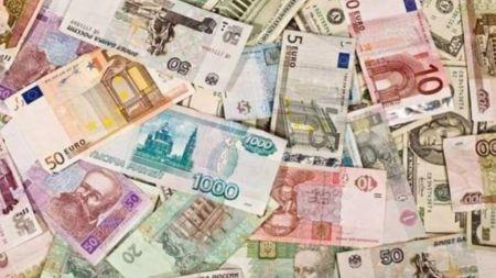 लगातार उकालो लाग्दै अमेरिकी डलरको भाऊ (सूचीसहित)