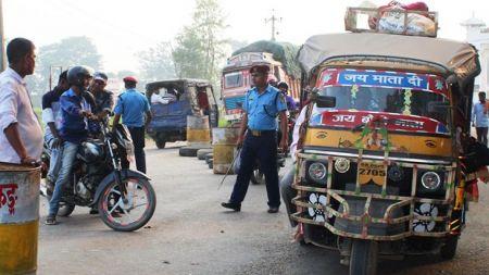 भारतीय नम्बरका टेम्पु रोक्न उच्च अदालतले दियो आदेश