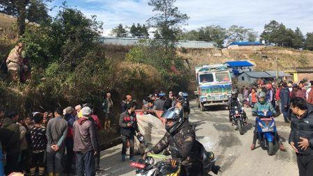 धनकुटा दुर्घटना: क्षतिपुर्ती दिने सहमतिसंगै ७ घण्टापछि खुल्यो कोशी राजमार्ग