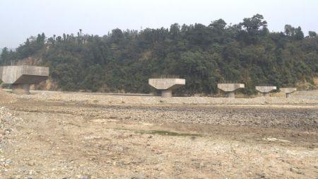 जग हालेको ९ बर्ष बित्यो, तर बनेन पुल