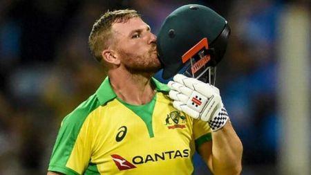 अष्ट्रेलियाद्वारा भारत १० विकेटले पराजित