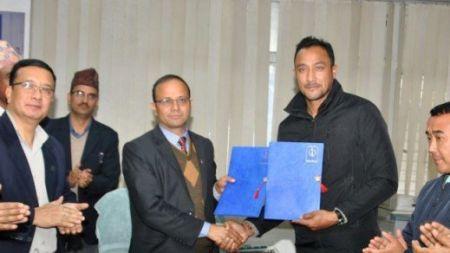 नेपाल टेलिकमको ब्रान्ड एम्बेसडर बने पारस खड्का