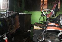 जनप्रतिनिधि प्रतिको आक्रोशः पेट्रोल छर्केर वडा कार्यालयमा आगजनी